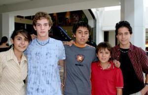 Víctor Isaac Zamora, Greta Flores, Daniel Junco, Diaego Antonio y Ricardo González.