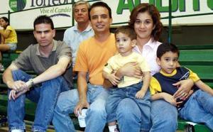 Sergio Delgado, Adrian Delgado, Lupita García Delgado, Alberto Delgado García, Adrian Delgado García y Harn Ruiz Delgado García.