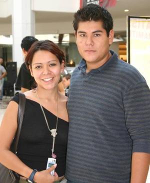 Aleyda Flores y Sergio Méndez.