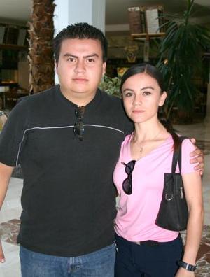 Ana Rosa Valenzuela y Héctor M. Valenzuela.