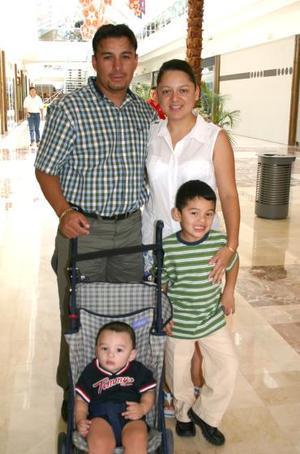 Carlos Rodiles Jr, Juan Pablo Rodiles, Carlos Rodiles, Tere de Rodiles