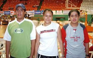 Edgar Vaquera, Karina Murillo y Carlos Ávila.