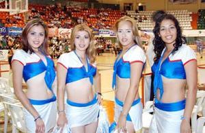 Perla Castañeda, Paty Martínez, Mary Soriano y Cynthia Villa.