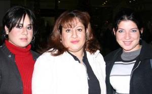 Dra. Rita Azpilcueta, Paola S. Azpilcueta y Mariana Solis Estrada.