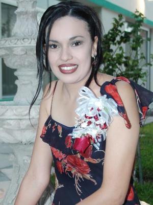 Sara Nohemí Rendón Gómez, captada en su despedida de soltera.