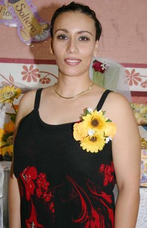 <u><i> 01 de Agosto </u></i><p>   Silvia Cecilia Castañeda Saracho contraerá matrimonio con Gerardo Vázquez Barrón el próximo 13 de agosto.