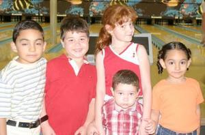 Mara, Roberto y Alejandro Jaidar Gaytán y Juan y Valeria Villarreal Jaidar, pequeñoos captados en pasado festejo social.