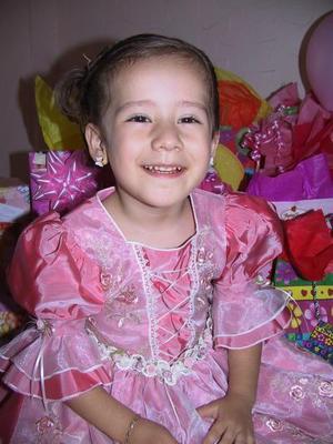 <u><i> 01 de Agosto </u></i><p>  Victoria Gallegos Sonora festejó su tercer cumpleaños de vida, con un convivio infantil.