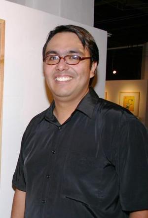 La exposición pictórica Adoradores del Sol, de Ricardo Guevara, continúa en exhibición en la galería de arte contemporáneo del Museo Histórico de la Ciudad Casa del Cerro.