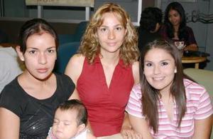 Mara A. de Avilez, Mónica Luna, Pily Muñoz y Marita Avilez.