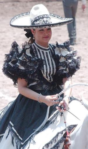 Sonia García, la nueva reina de la Asociación de Charros de la Laguna.