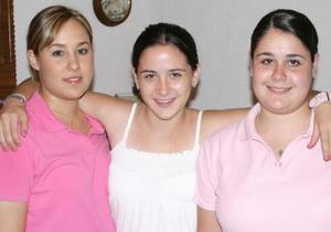 En próximas fechas Ana Lucía Diez viajará a España, Angélica Diez a Estasos Unidos y Andrea Diez a Canadá, para continuar sus estudios académicos en dichos países.