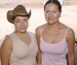 Rocío Sandoval y Violeta Sotoluján.