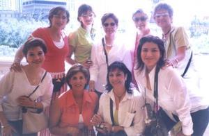 Norma Fájer, Martha Fájer, Nena Murillo, Yoya Velázquez, Adriana de Dávila, Betty de Velásquez, Lorena de Dávila, Chacha Murillo y Cecilia Murillo disfrutaron de unas agradables vacaciones en Las Vegas.