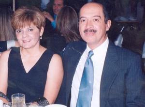 Laura Cecilia de Robles y Salvador Robles.