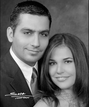 <u><i> 01 Agosto de 2004 </u></i><p>  Sr. Rogelio Barrios Hinojosa y Srita. Gabriela del Bosque Dávalos efectuaron su presentación religiosa en la parroquia de San Pedro Apóstol el viernes 23 de julio del 2004.