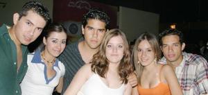 Carlos Matias, Brenda Viesca, Ricardo Ramírez, Adriana Campos, Ile Grageda y Toño Segura.