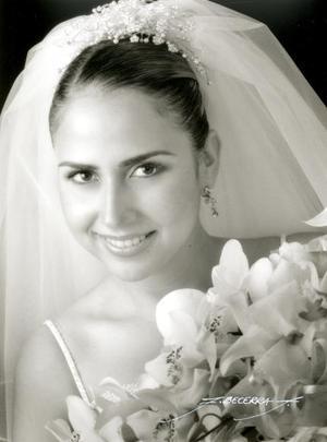 Srita Sambra Zavala Rocha el día de su enlace matrimonial con el Sr. Gerardo Sandoval Rodríguez.  <p> <i>Estudio: Flavio Becerra</i>