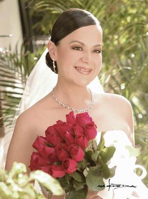 Srita. Paola de  la Peña Seijas, el día de su enlace matrimonial con el Sr. Heath Beatson.   <p> <i>Estudio: Maqueda</i>