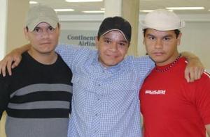 Raúl, Gerardo e Israel Castillo Salazar.