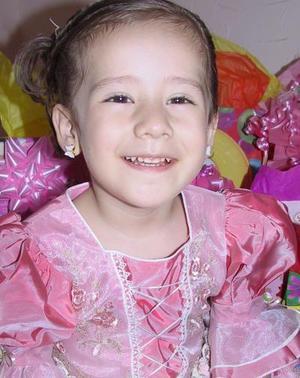 <u><i> 02 de Agosto </u></i><p>  Victoria Gallegos Sonora festejó su tercer cumpleaños de vida, con un convivio infantil.
