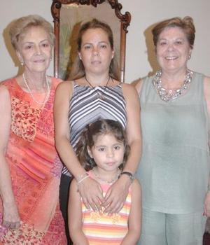 Familia Quiroz Godinez llegaron de México para asistir a la convención anual de la familia Martínez Ramírez