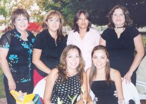 Martha,Tere, Mague, Lucina, Laura y Penélope asistieron a reciente despedida de soltera efectuada en San Isidro.