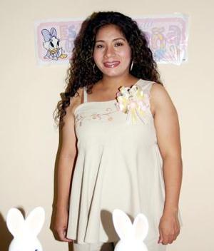 <u><i> 05 de Agosto </i></u><p> Yolanda Llanas de Murillo recibió múltiples felicitaciones por la próxima llegada de su bebé.
