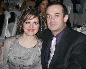 <u><i> 05 Agosto de 2004 </u></i><p>  Marcela de Cantú y Luis Felipe Cantú.