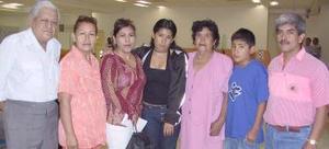 Armandina Medina a Tijuana y fue despedida por Agustín, Aurelia, Alfredo, Julia, Julián y Marlene.