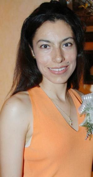 Norma Luz Vargas Cortés fue despedida de su solteria en días pasados, con motivo de su próxima boda.