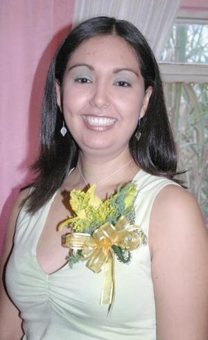 Liliana Torres García, captada en su despedida de soltera ofrecida en días pasados.
