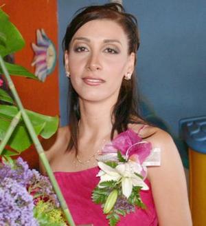 <u><i> 04 de Agosto </u></i><p>   Kenia García Rimada contraerá matrimonio con Mario Silva Solís, el próximo cuatro de septiembre.