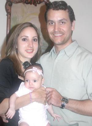<u><i> 07 de Agosto </u></i><p>  Familia Martínez Garza, captados en pasado acontecimiento social.