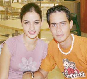 <u><i> 06 de Agosto </u></i><p>  David Abusaid y Mayela de la Garza.