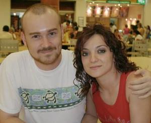 Víctor Olhagaray y Sofía Cabral.