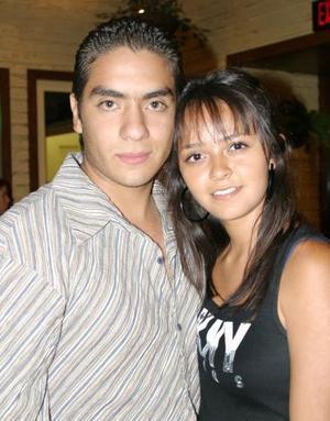 <u><i> 06 Agosto de 2004 </u></i><p>  Alan Flores García y Arhelí González Ayala.
