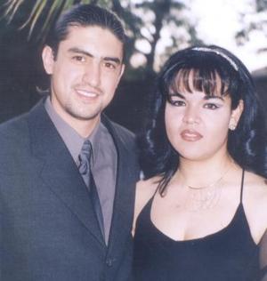 <u><i> 07 Agosto de 2004 </u></i><p>  Alejandro Salvador López Carrillo y Aída Ponce Gutíerrez.
