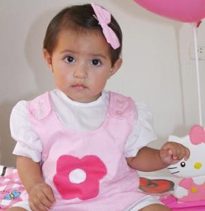 La pequeña Stephany Paola López Aldana, en su fiesta de cumpleaños.