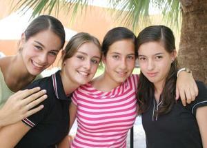 Mónica Guriérrez, Daniela Sesma, Yolanda Murra y Paulina Teele.