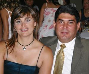 Cristina de Ortega y Víctor Ortega.