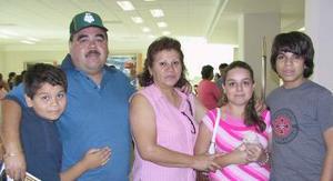 <u><i> 09 de Agosto </u></i><p>   La familia Garay viajó con destino a San Diego, California.