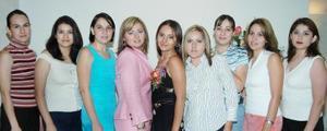Anabel Pico Moreno acompañada de sus amigas, en la despedida de soltera que se le ofreció por su próxima boda.