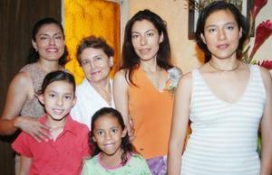 <u><i> 08 de Agosto </u></i><p>  Norma Luz Vargas Cortés, contraerá matrimonio en breve, por lo cual le ofrecieron una despedida de soltera