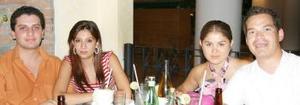Fernanado y Carolina Olivares y Yessica y Rogelio Adame.