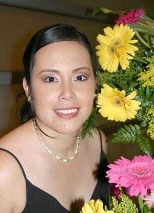 <u><i> 10 de Agosto </u></i><p> Leilani Flores Carrillo disfrutó de una despedida, por su cercano matrimonio con Juan Francisco Landeros.