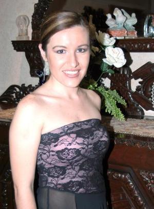 Montserrat Casán Sandoval contraerá matrimonio con  Jesús Saracho Pérez, el próximo sábado 14 de agosto.