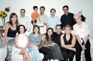 <u><i> 10 de Agosto </u></i><p>´ Rodrigo Ulises González y Anabel Pico Moreno disfrutaron de una despedidda de solteros, con un motivo de su cercano enlace matrimonial.