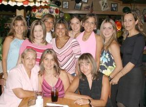 Laura, Güera, Angélica, Marce, Susana, Cris, Elsa, Pili e Iveth Grageda y Silvia Hernández.
