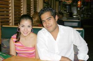 <u><i> 11 Agosto de 2004 </u></i><p>  Pilinda Sifuentes y Papid Delgado